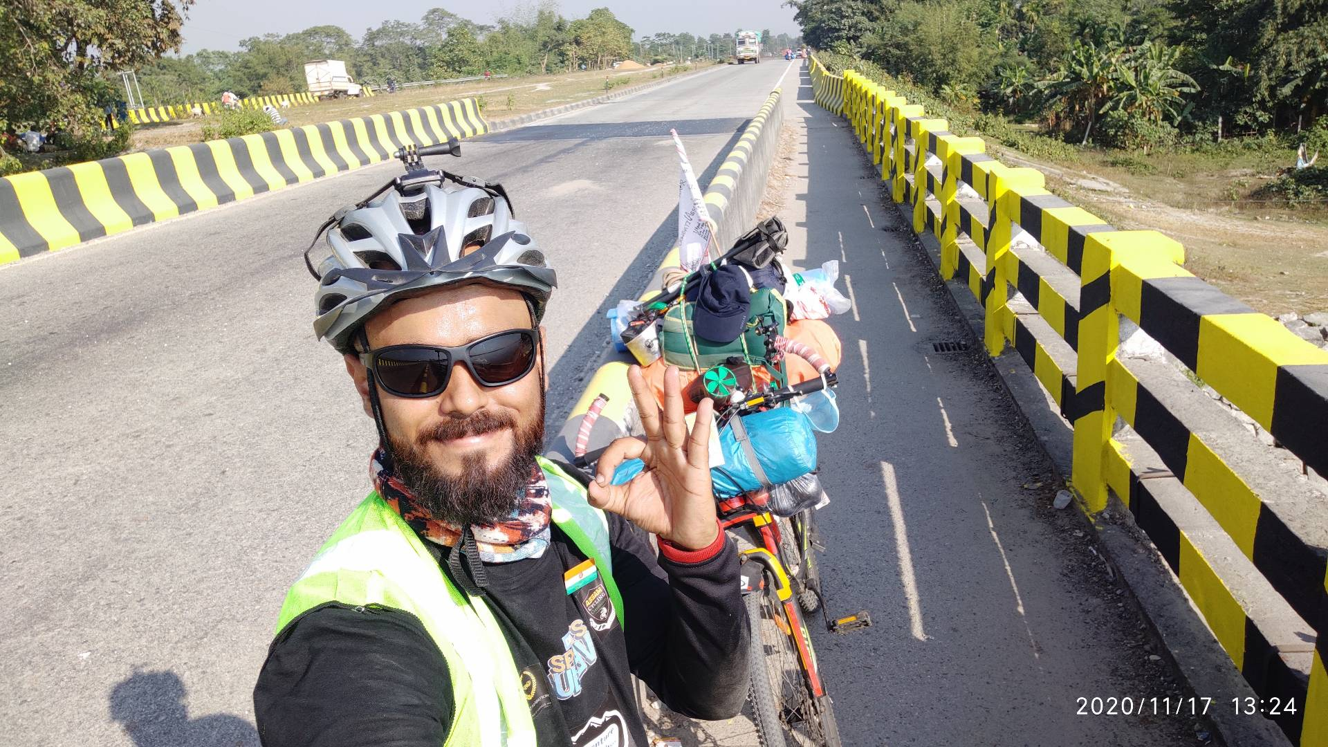 Chronicling India from East to West: An Adventure Junkie's Solo Bicycling Odyssey To Meet The Iron Man!